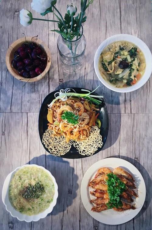 Gỏi và salad là hai món kích thích sự sáng tạo của chị Trang bởi có vô vàn cách biến tấu.