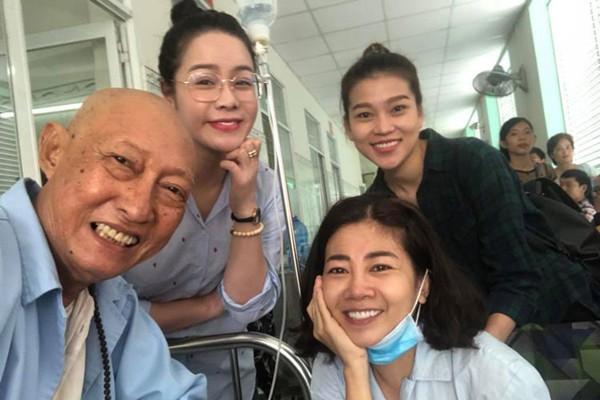 Nụ cười lạc quan của hai người nghệ sĩ khi đang điều trị bệnh nặng.