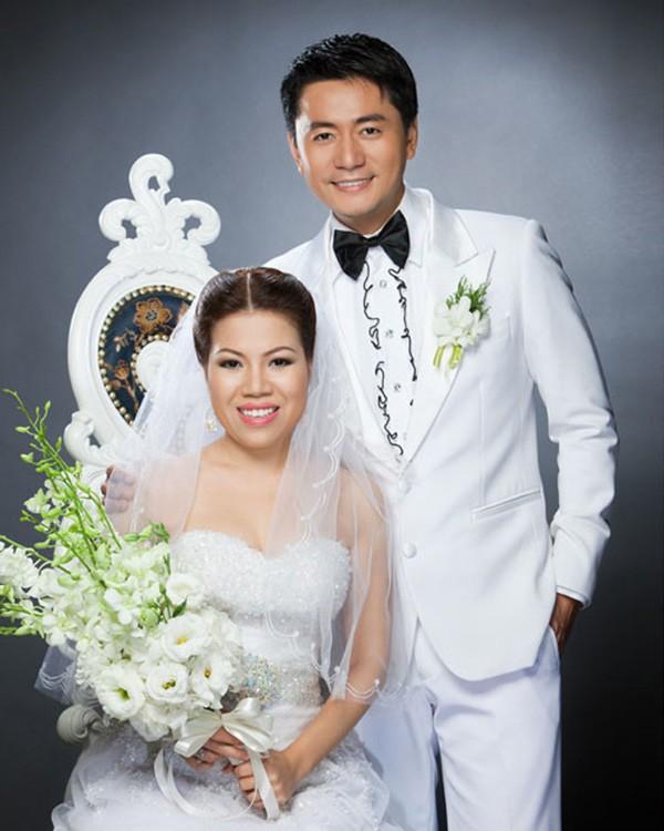 Trương Minh Cường cưới vợ vào năm 2009.