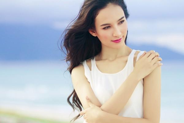 Thành công từ cuộc thi Hoa hậu Du lịch, Ngọc Diễm tiếp tục theo học Thạc sĩ ngành truyền thông để thực hiện ước mơ của cuộc đời.