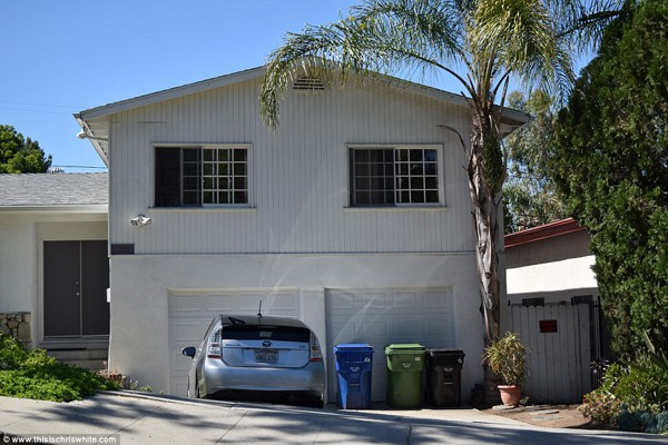 Nhà chung trước khi bố mẹ Meghan Markle ly hôn. Cả gia đình bao gồm con chung, con riêng của ông Thomas Markle sống trong ngôi nhà này ở Los Angeles.