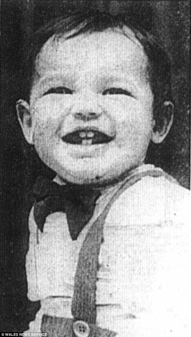 Nạn nhân Chi Ming Shek bị bạo hành dã man cho đến chết.