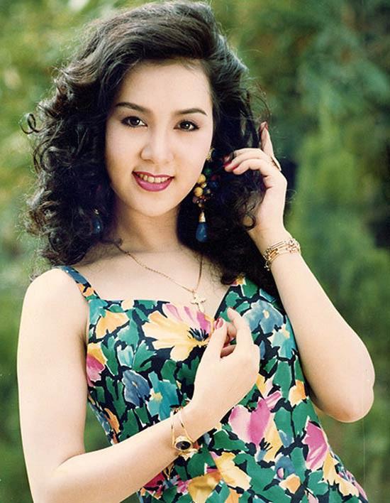 Mộng Vân mang đầy đủ đặc trưng của con gái cố đô: đẹp dịu dàng, nền nã và e ấp.
