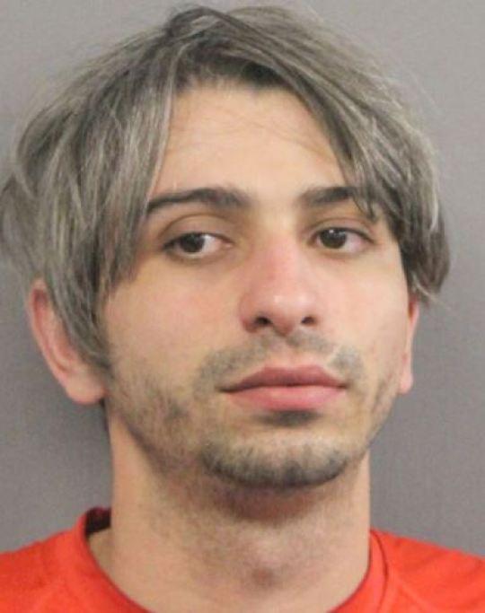 Bạn trai của mẹ nạn nhân bị cáo buộc giết người.