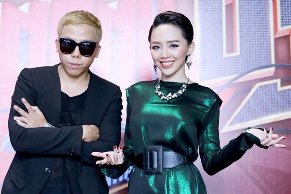 Hoàng Touliver đính chính thông tin anh vừa cầu hôn Tóc Tiên.