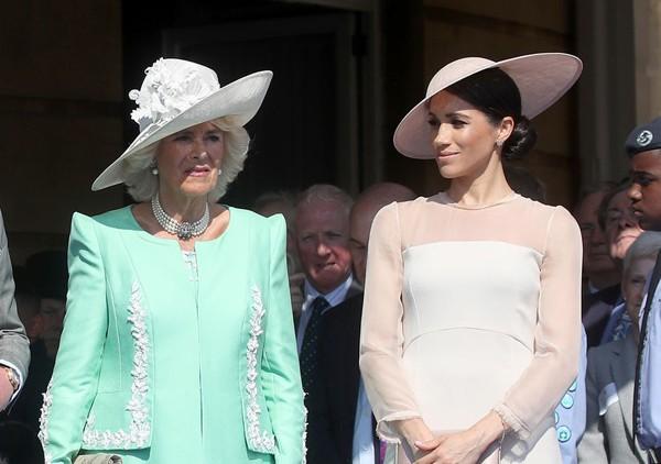 Bà Camilla không hài lòng với con dâu Meghan Markle.
