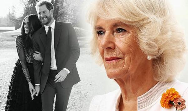 Công nương Meghan Markle liên tục bị bà Camilla phá đám chuyện cưới xin.