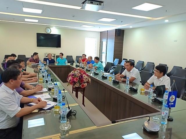 Ông Mai Quang Hùng - Trưởng Ban An toàn kiểm tra công tác phòng chống ảnh hưởng cơn bão số 6 tại Công ty Điện lực Thái Bình