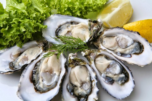 Hàu chứa lượng kẽm cao, gấp hàng trăm lần so với các loại thịt, cá và ngũ cốc chứa kẽm khác. Ảnh: EatingWell