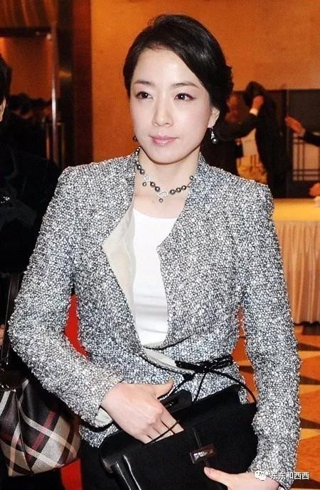 Lấy được chồng giàu chưa chắc đã sung sướng bởi vị trí càng cao thì trách nhiệm càng lớn, nhất là trong một xã hội khắt khe với phụ nữ như Hàn Quốc.