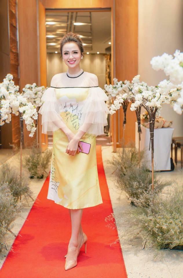 Hoa hậu Diễm Hương trong trang phục của nhà thiết kế Lê Ngọc Lâm. Ảnh: TL