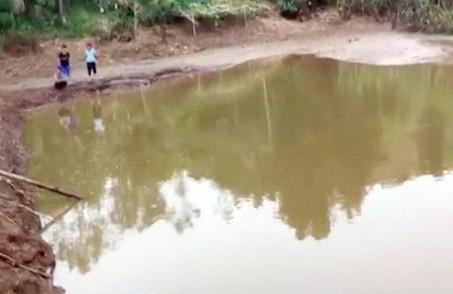 Hồ nước- nơi hai trẻ mầm non bị đuối nước. Ảnh: Cơ quan chức năng cung cấp.