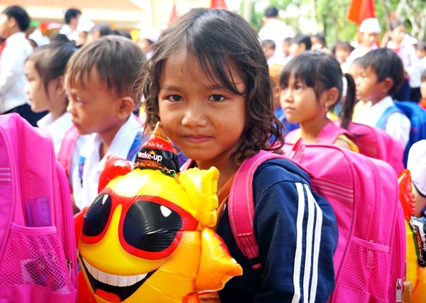 Học sinh huyện miền núi Quảng Ngãi ngày khai giảng. Ảnh: Phạm Linh.