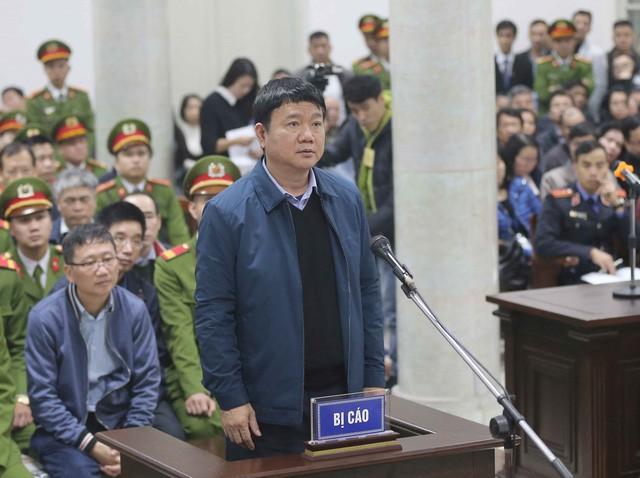 Bị cáo Đinh La Thăng tại phiên tòa sơ thẩm ngày 8/1/2018. Ảnh: TTXVN