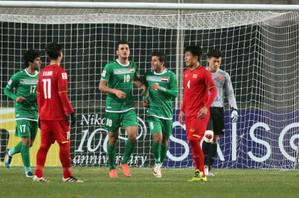 Cầu thủ Aymen cao 1m90 đã giúp I-rắc lật ngược được thế cờ.
