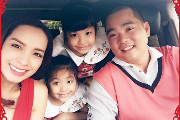 Gia đình hạnh phúc của Thúy Hạnh.