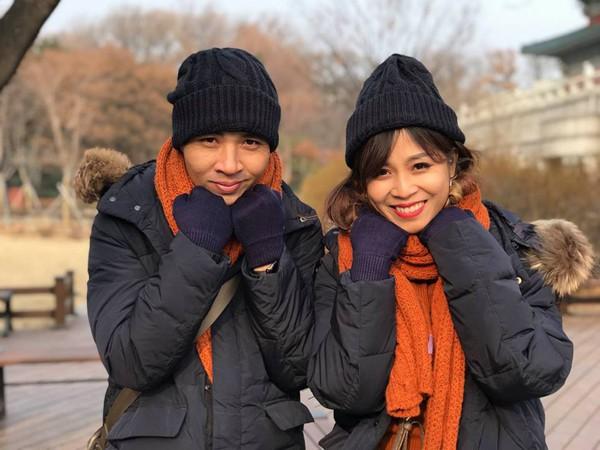 Cả hai vừa có một chuyến du lịch và chụp ảnh cưới tại xứ sở kim chi.