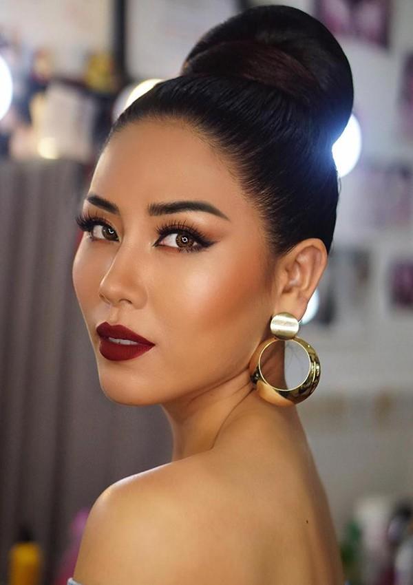 Nguyễn Thị Loan vẫn cảm thấy băn khoăn về mái tóc tém của Tân Hoa hậu Hoàn vũ Việt Nam 2017.