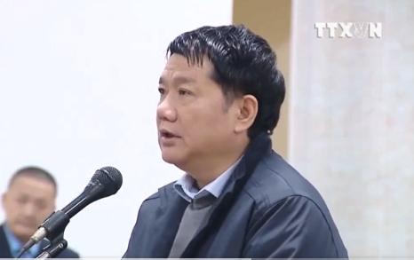 Ông Đinh La Thăng trả lời trước tòa.