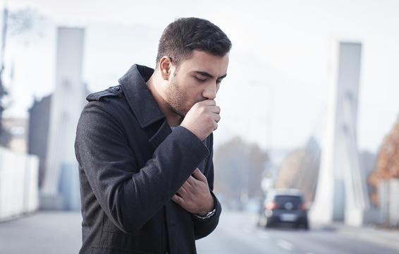 Dị ứng thực phẩm cũng có thể gây ngứa rát miệng và tạo ra những cơn ho khan.