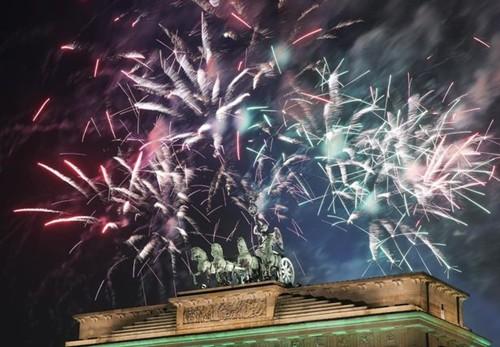 Pháo hoa đón năm mới ở Berlin. Ảnh: BarcroftMedia.