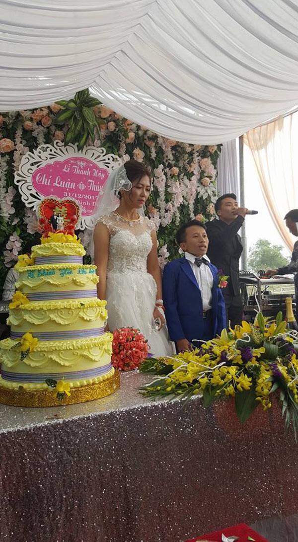 Hình ảnh về đám cưới được đăng tải gây xôn xao