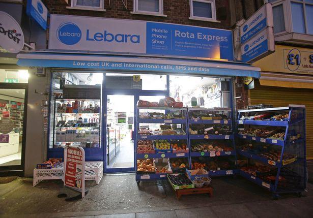 Từ chối bán giấy cuốn thuốc cho người chưa đủ tuổi, nhân viên cửa hàng bị đánh đến tử vong