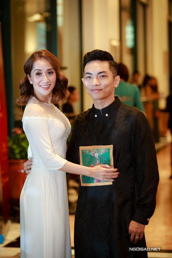 Vợ chồng Khánh Thi - Phan Hiển đang rất hạnh phúc vì có thêm thiên thần mới.