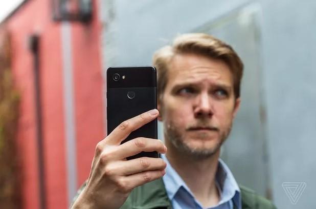 Android 8.1 Oreo có cập nhật giúp người dùng chọn lựa mạng Wi-Fi mạnh để kết nối.