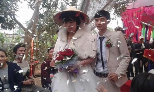 Cuộc tình lệch tuổi được tổ chức đám cưới ở xứ Thanh.