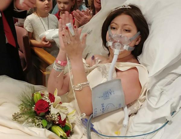 18 tiếng sau đám cưới tại bệnh viện, Heather trút hơi thở cuối cùng. Ảnh: Christina Lee.