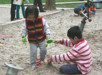 Con sẽ học được rất nhiều từ cát bởi đây là bài học quan trọng (ảnh minh họa)