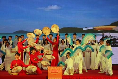 Làng Trẻ em SOS Việt Nam đón nhận Huân chương Lao động hạng Nhất