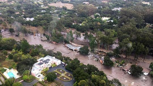 Các vụ lở đất được ghi nhận vào khoảng 2 giờ 30 phút ngày 9-1 do ảnh hưởng của những trận mưa lớn. Ảnh: TWITTER