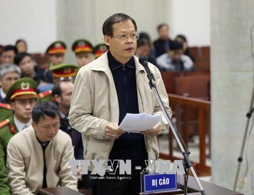 Bị cáo Phùng Đình Thực tự bào chữa tại phiên tòa. Ảnh: TTXVN