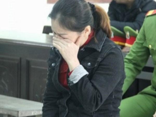 Bị cáo Kim Anh nhiều lần nức nở trước tòa