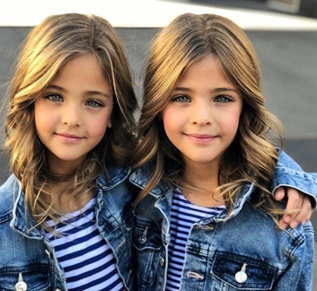 Hiện tại tài khoản Instagram của hai chị em với tên gọi The Clements Twins đã có đến hơn 200.000 người theo dõi. Sau khi hỏi về nguyện vọng của hai con gái, chị Jaqi đã ký hợp đồng với hai công ty người mẫu và nhận về rất nhiều hợp đồng chụp ảnh cho nhãn hàng thời trang trẻ em, tạp chí…