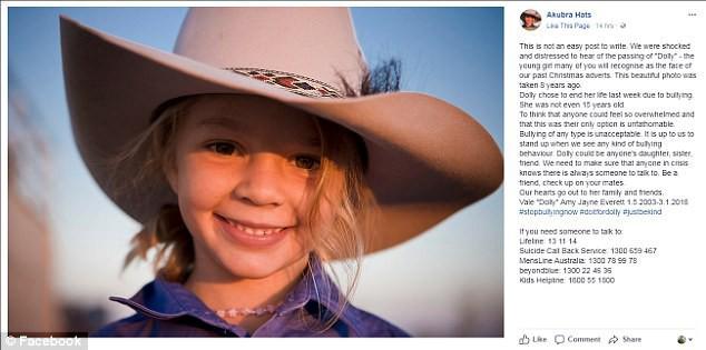 Trên trang chủ của nhãn hàng Akubra Hats cũng gửi lời chia buồn đến Dolly và lên án nạn bắt nạt. (Ảnh: Internet)