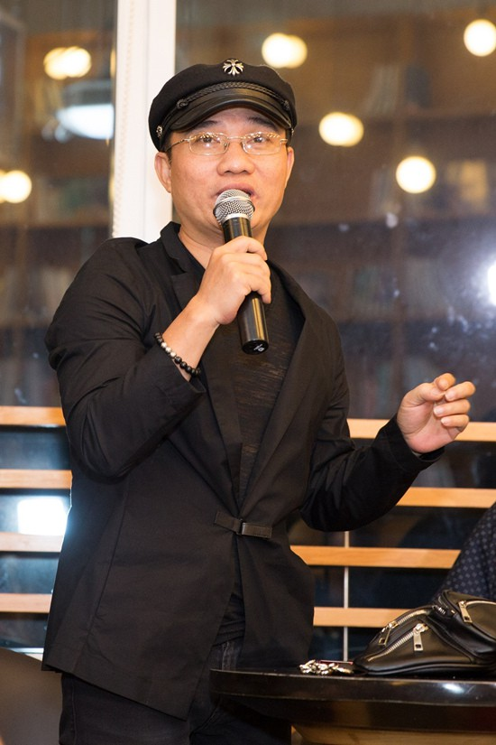 Quang Linh đến ủng hộ đàn em ra sản phẩm.