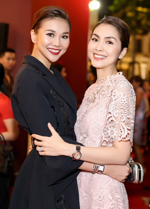 Đây là sự kiện do bố mẹ chồng Hà Tăng tổ chức.