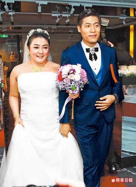 Cựu Á hậu cưới chồng kém 11 tuổi bất chấp chênh lệch về tuổi tác, địa vị.