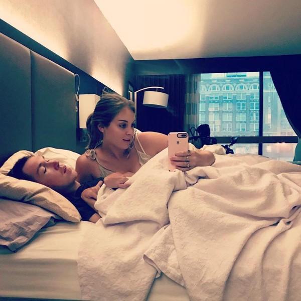 Khoảnh khắc hạnh phúc của cặp đôi Shane và Hannah.