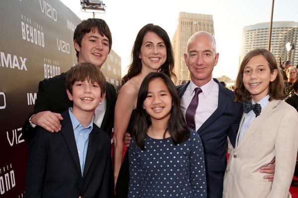 Gia đình hạnh phúc đáng mơ ước