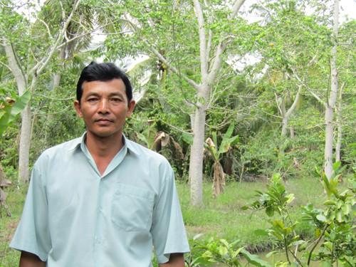 Chân dung tỷ phú rau nhút Phan Văn Sành, ấp Hồi Trinh, xã Xuân Hiệp, huyện Trà Ôn, tỉnh Vĩnh Long.