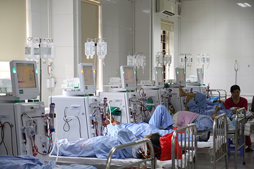 Máy chạy thận ở Bệnh viện đa khoa Hoà Bình. Ảnh: Phạm Dự.