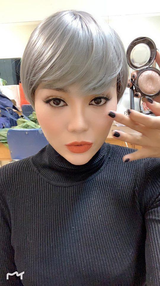 Một bức ảnh được đích thân cô chia sẻ ở góc chụp nghiêng cho thấy chiếc mũi rất cao, không giống với dung mạo thời điểm đóng Quỳnh búp bê.
