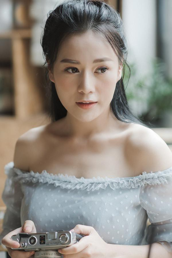 Dù đã sở hữu nhan sắc vạn người mê nhưng Phương Oanh vẫn muốn trẻ đẹp hơn nhờ phẫu thuật thẩm mỹ.