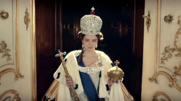 Tạo hình Catherine trong phim