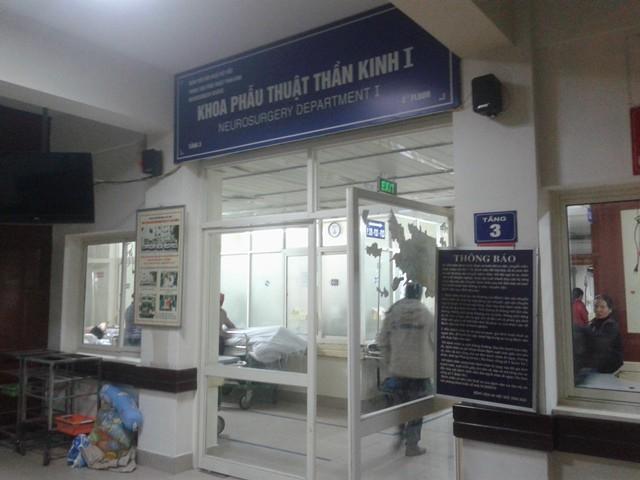 Khoa Thần kinh - Bệnh viện Việt Đức (Hà Nội) nơi chị Hà đang chăm con.
