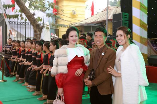 Ngọc Anh, Tân Nhàn và Việt Hoàn là những người bạn thân thiết trong nghề.